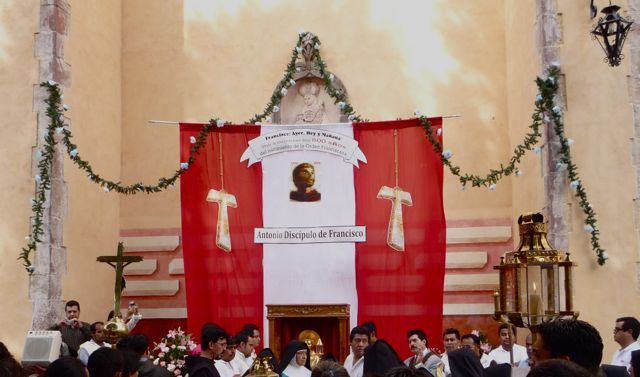 altar, Las Monjas