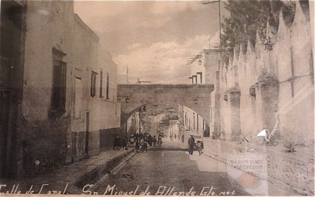 This is Calle Canal, with the view of the Quebrada Bridge